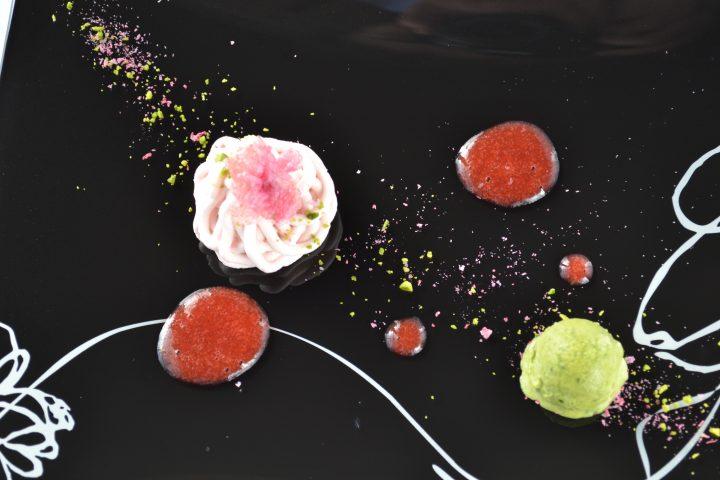 桜のモンブランと抹茶のパルフェ